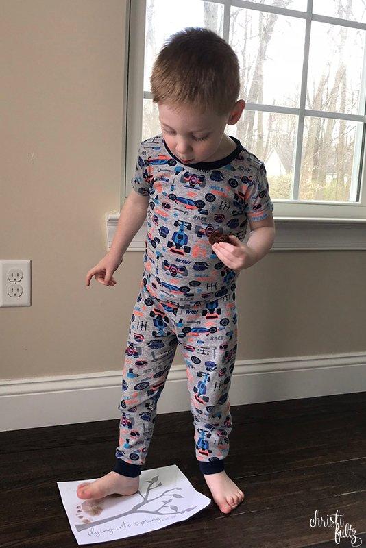 toddler-footprint-art-spring-bird-fultz