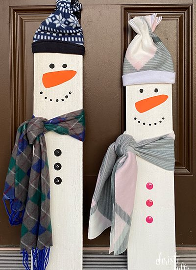 DIY snowmen craft to represent your child's height. Great for baby's first Christmas, preschool activities, or family gifts.