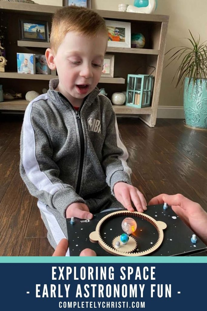 This KiwiCo Exploring Stars crate make STEM learning at home easy for parents and kids. Perfect for ages 5-8.
